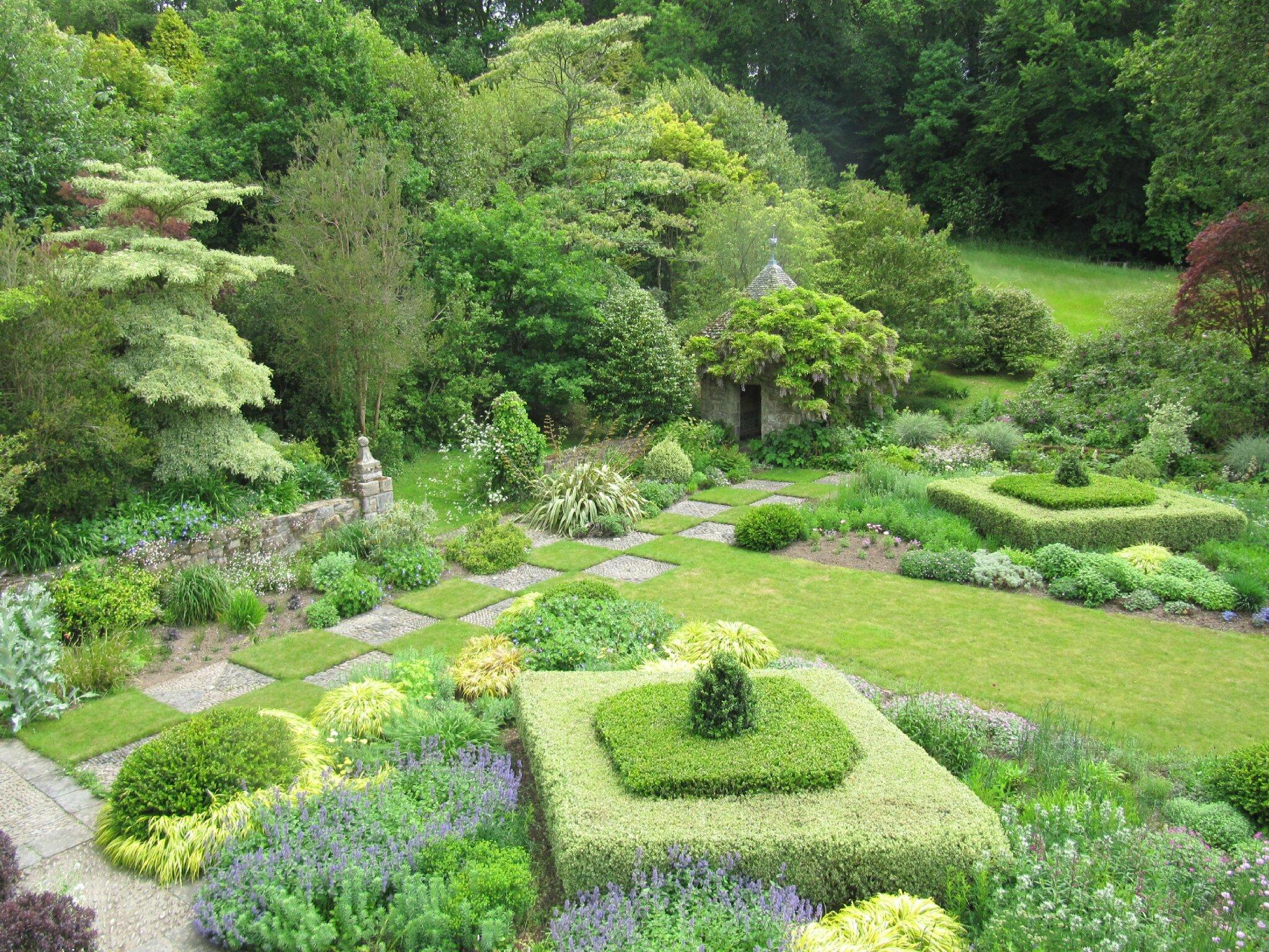 Kerdalo encore et toujours trois petits tours au jardin for Jardin kerdalo