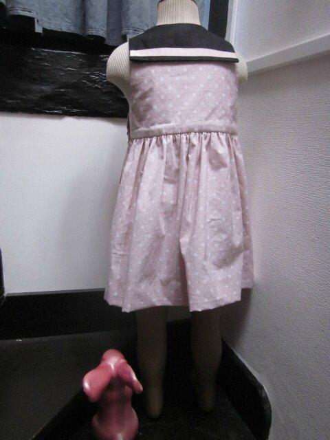 Robe LOUISE ne coton rose à pois blancs et lin noir (5)