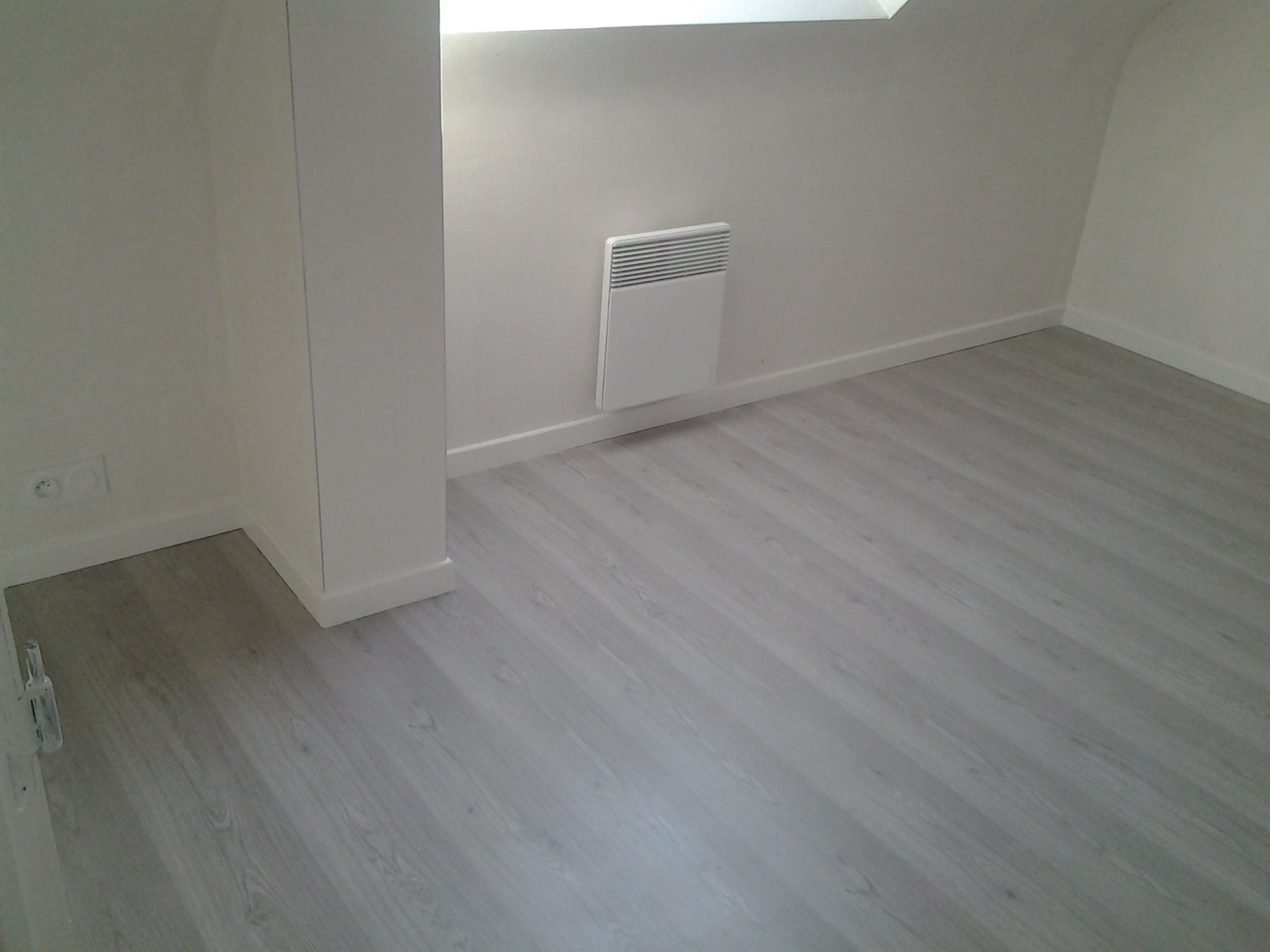 Construction d 39 une maison d 39 habitation berci plerneuf for Pose de plinthe carrelage