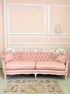 pretty_tufted_pink_sofa_vintage_shabby_chic_french_white_romantic_loveseat_eclectic_home_decor_ideas_paris_apartment