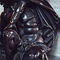 Chaire (détail) - Samson accroupi.