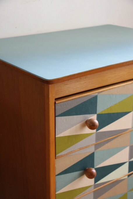 commode-vintage-plateau-detail