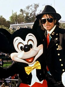 Michael Jackson Et Les Personnages Disney On Michael