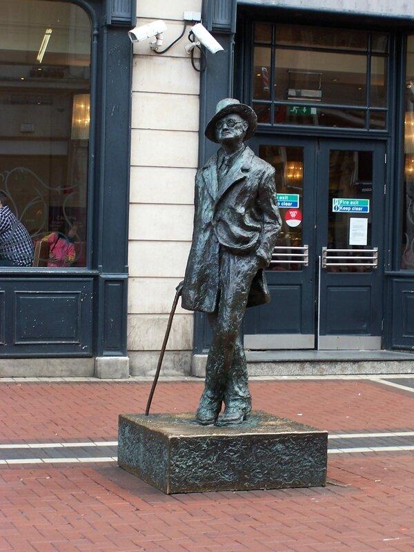 035- statue joyce
