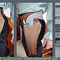 Colt en bois peint et Holster en cuir
