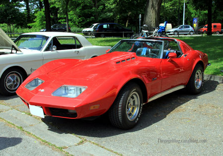 Chevrolet_corvette_custom_de_1973__Retrorencard_juin_2010__01