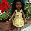 Nora et sa robe jaune ...
