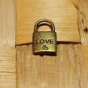 LE CADENAS DE L'AMOUR DU MEDIUM HOUSSOU