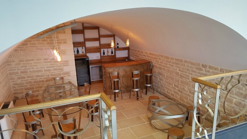 Meuble cave vins cellar furniture douelledereve for Meuble cave a vin