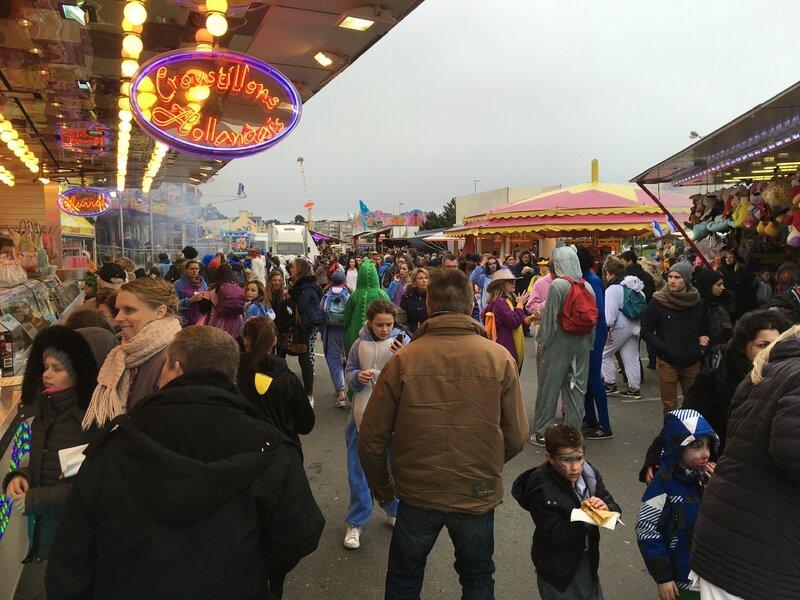 Carnaval de Granville la Grande Cavalcade dimanche 7 février 2016 fête foraine fontaine Bedeau manèges