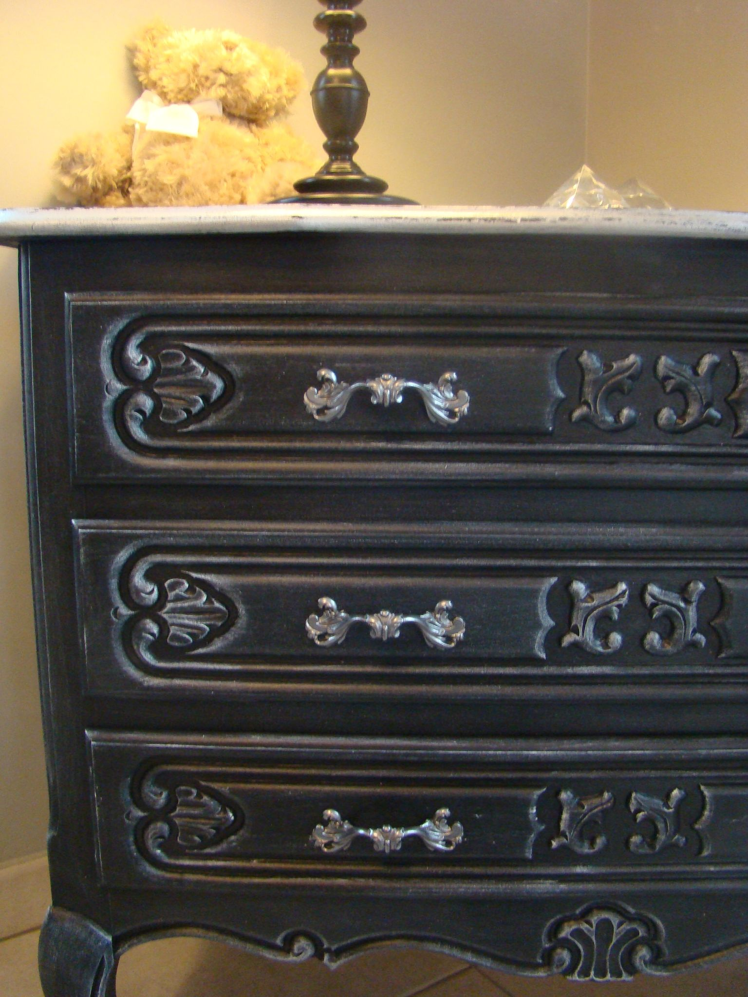 charming patiner un meuble en noir 11 commode style