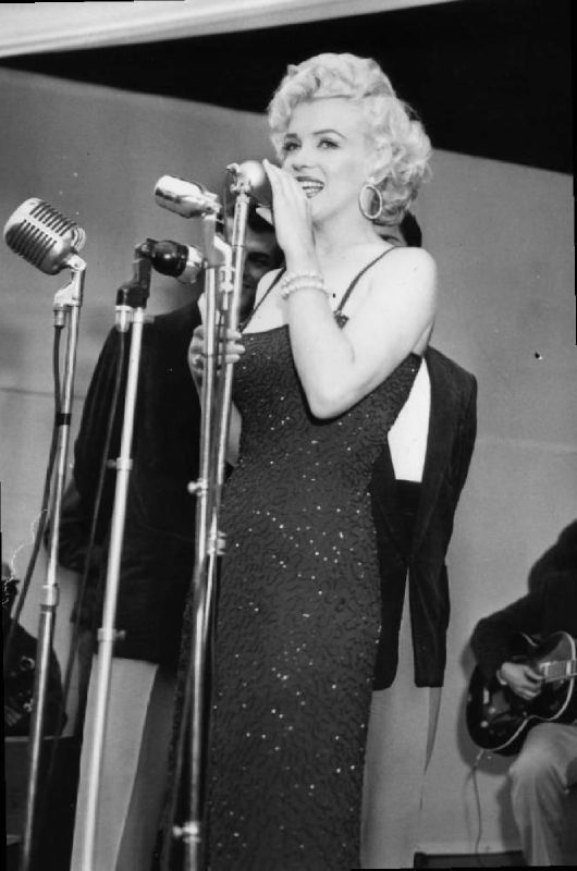 1954-02-17-stage_out-023-1