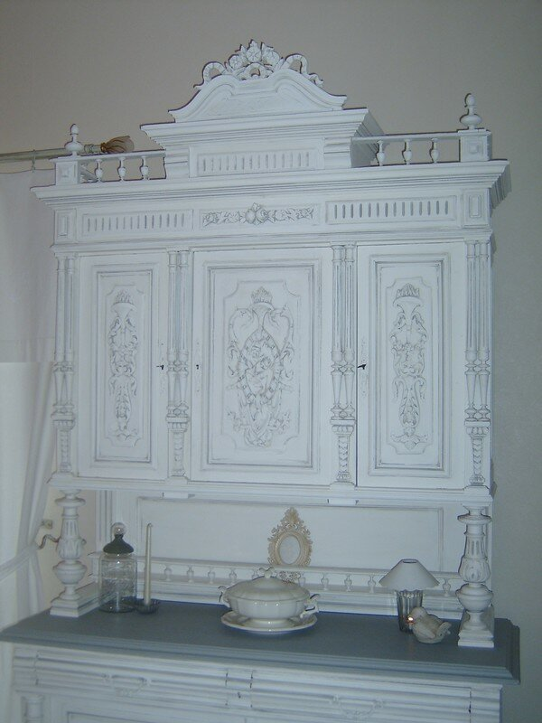 Buffet henri ii en cours de transformation perle rose for Meuble henri 2 relooke