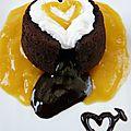 Moelleux au cœur coulant au chocolat, noix de coco et mangue