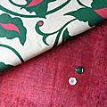 2060 grand motif de feuilles sur fond ecru pour ce tissu vintage
