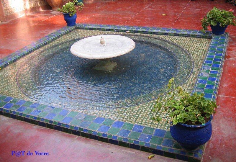 Vasque à L'entrée du jardin Majorelle