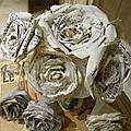 Roses en papier ancien
