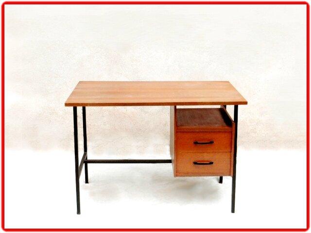bureau moderniste vintage annees 1950 vendu meubles d co vintage design scandinave. Black Bedroom Furniture Sets. Home Design Ideas