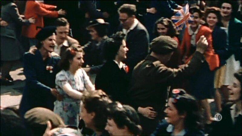 Capitulation fin 3eme Reich TF1 le 7 Mai 1945-2015 Fiesta du 8 Mai 1945 (2)