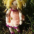 Petite tenue de poupée et encours