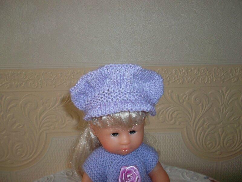 Joséphine & sa casquette parme Louise