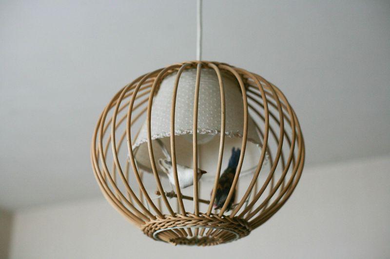 suspension en rotin aux oiseaux desnichages. Black Bedroom Furniture Sets. Home Design Ideas