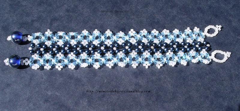 Bracelet tressé bleu v1