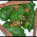 Epinards en feuilles de vigne de lavande