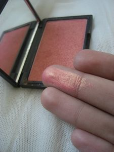 Blush 926 Rose gold de Sleek MakeUP 6