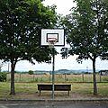 Arches, terrain de basket et banc (15)