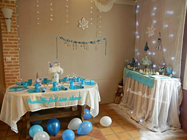 f te d 39 anniversaire la reine des neiges et sa sweet table frozen birthday party prunille. Black Bedroom Furniture Sets. Home Design Ideas