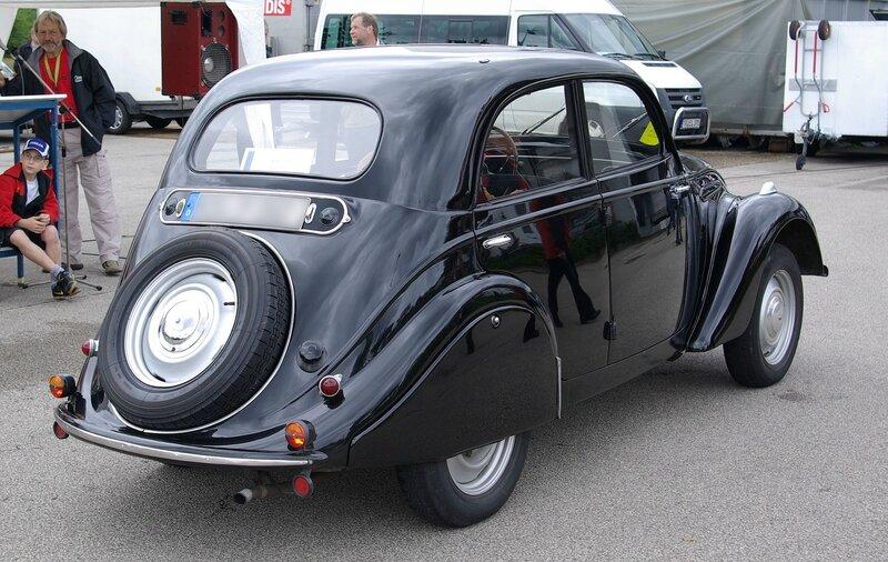 Peugeot_202_BW_2