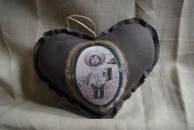 coeur grand mod le photo tissu lin taupe photo de jolis. Black Bedroom Furniture Sets. Home Design Ideas