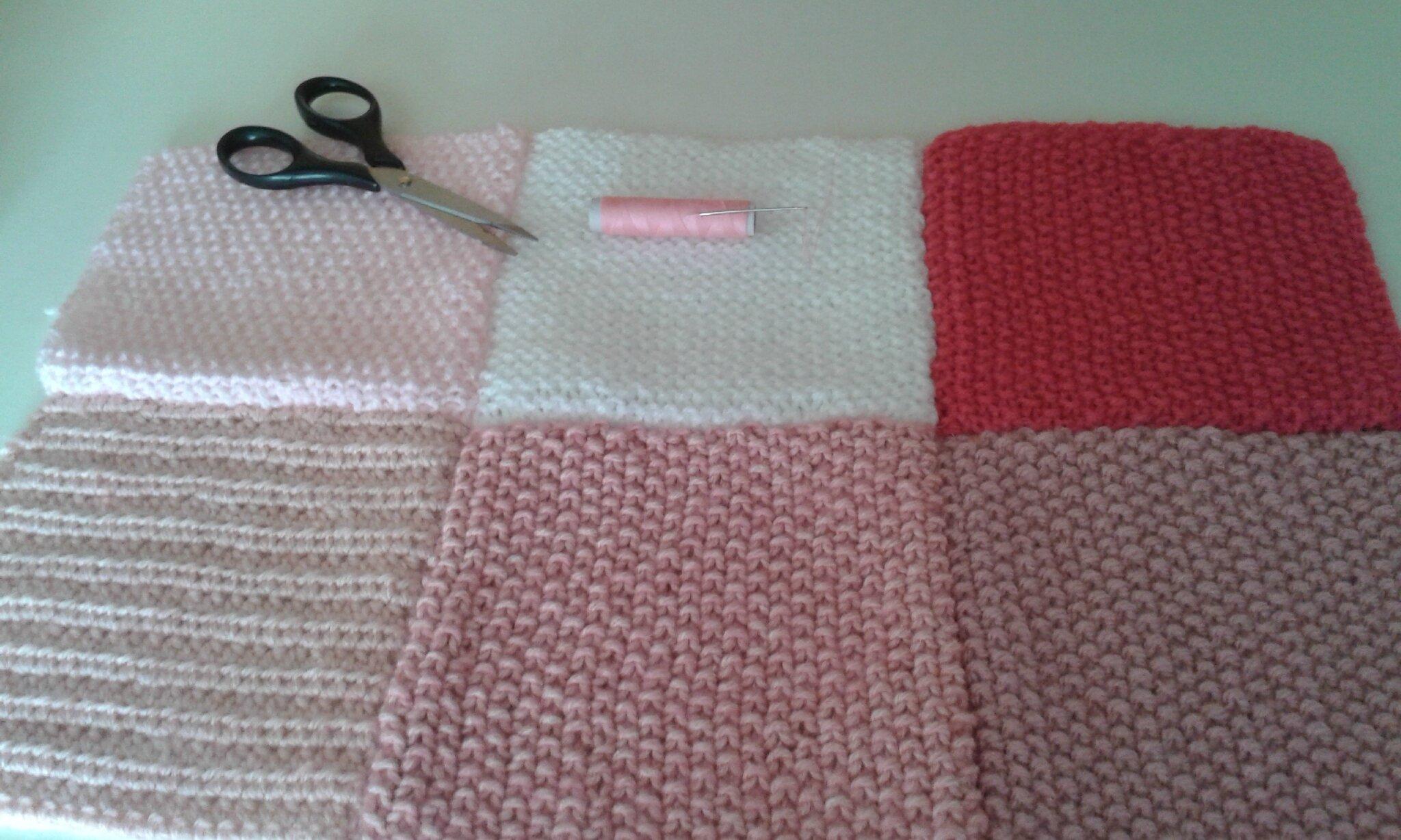 Couverture au tricot façon patchwork pour une naissance .. - Le Temps d'une Maille