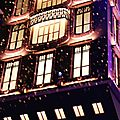 Un noël monstre - galeries lafayette / noël voyage magique by burberry - le printemps