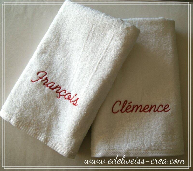 Serviettes de toilette blanche brodées prénom - Cadeau de mariage personnalisé