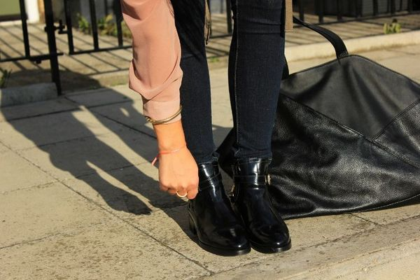 re____clous_River_Island__Boots_vernies____chaines_Alexander_Mc_Queen__Jean_levis__Sac_bi_mati__re_Monki__Blog_mode____Londres__London_fashion_blog__just_one_more_2_