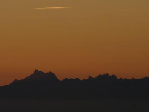 2008 09 08 Les Alpes avant le levé du soleil