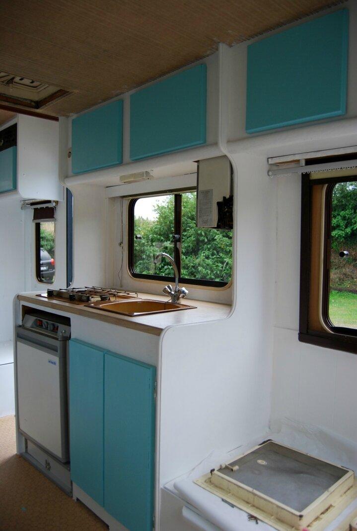 Camping car palace la f e caro bosse Peindre interieur caravane