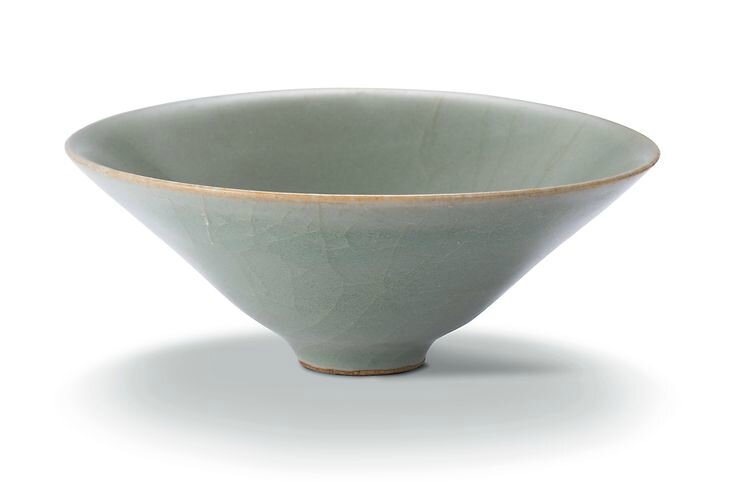 A Longquan celadon cup, Southern Song to early Ming dynasty