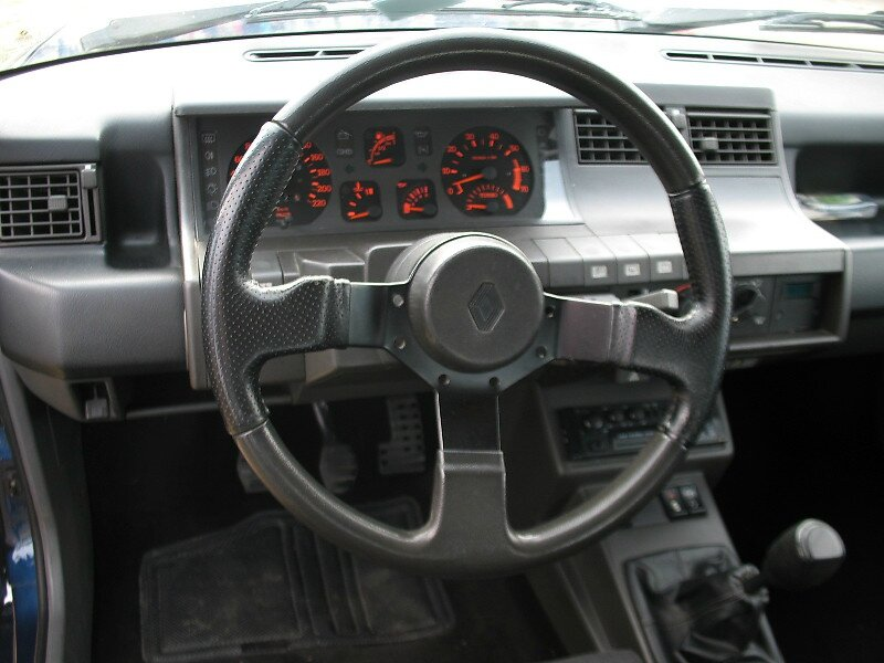 Renault 5 gt turbo alain oreille 1989 1990 autos crois es for Interieur oreille