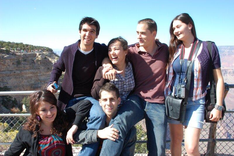 Aurora, Bruno, Raja, Baris, Benjamin, Sandra