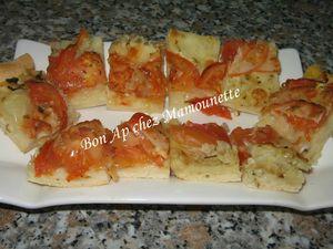 Pizza pâte mi-pain aux oignons et tomates mozza 033