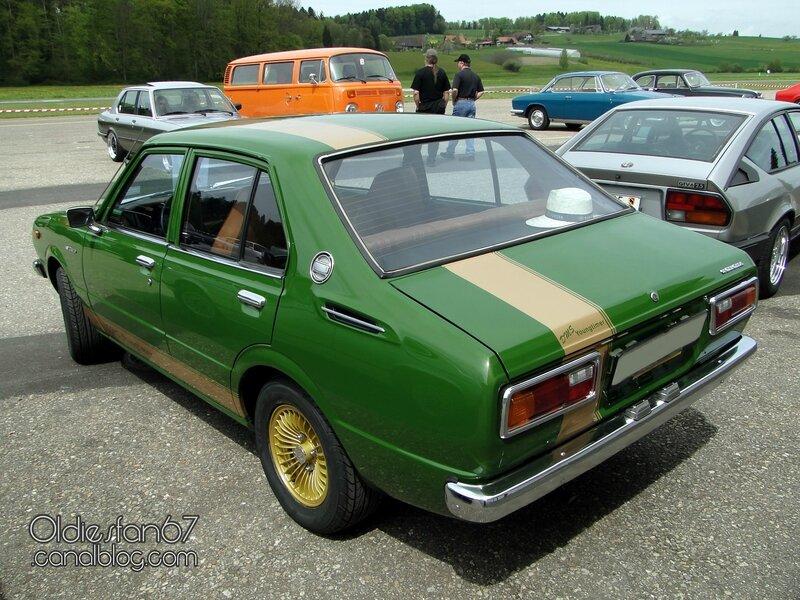 toyota-corolla-e30-1976-02
