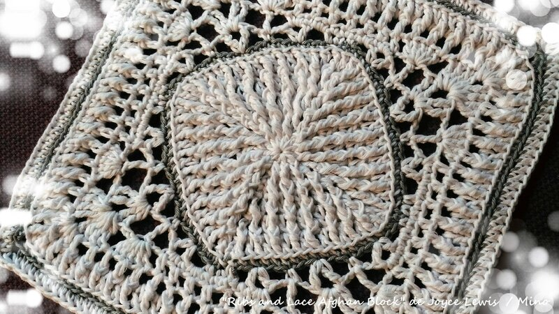 Ribs and Lace Aghan Block Complet