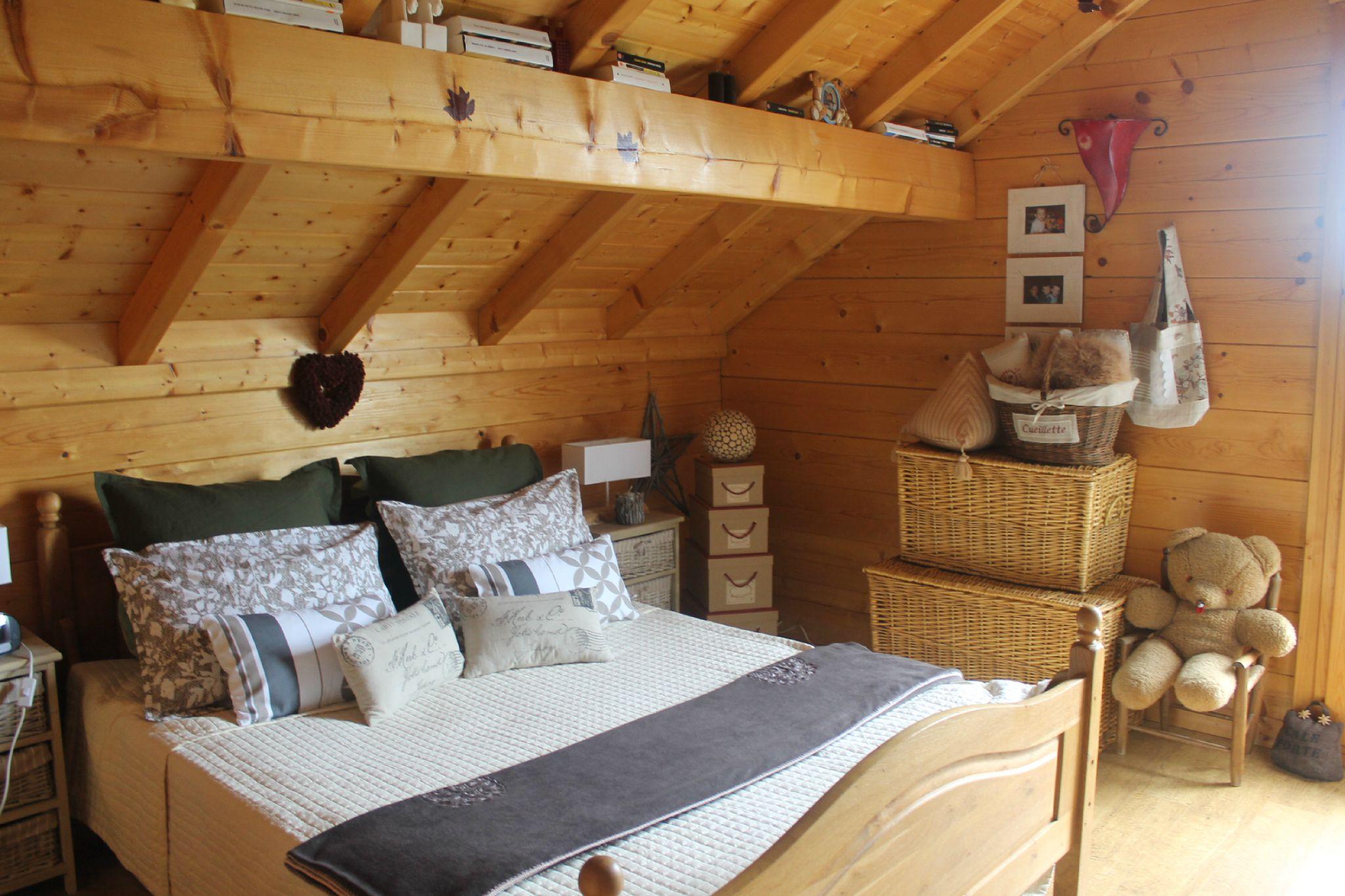 Comme il ne fait pas beau pour les amoureux des - Les plus beaux lits en bois ...