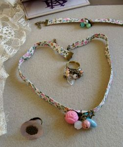 collier liberty pastel