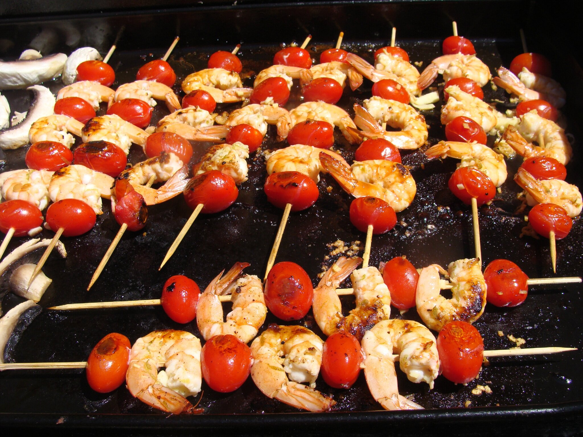 Brochettes de gambas marinees citron vert et coriandre - Marinade gambas grillees au barbecue ...