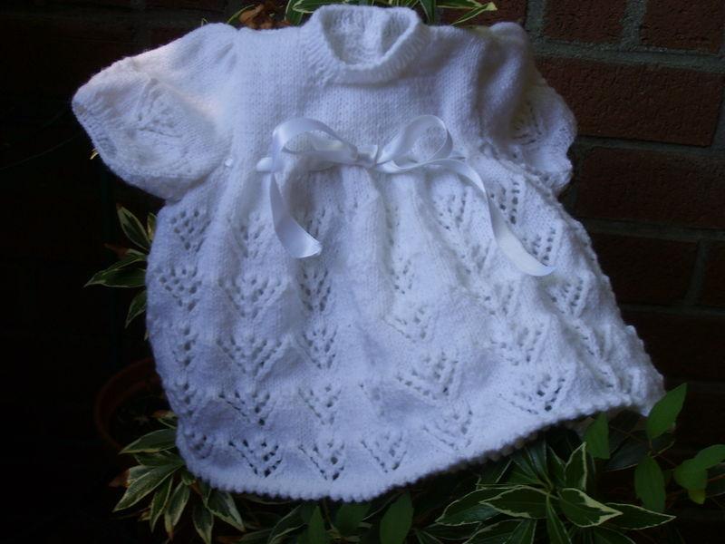 Robe blanche au tricot