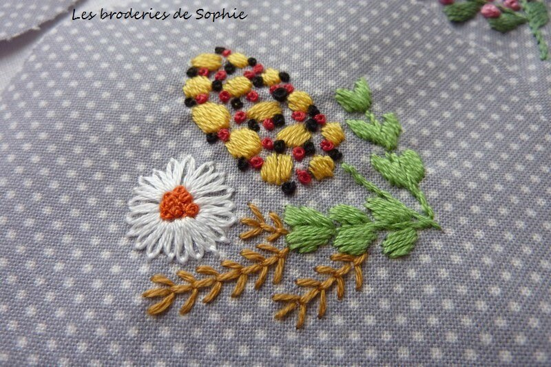 Broches brodées (11)